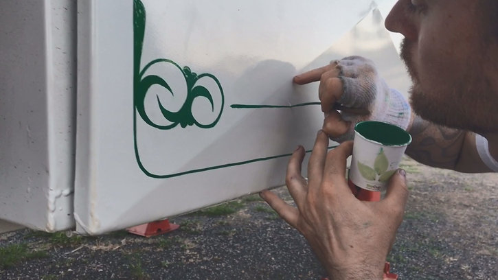 Hand-Painted Pinstriping