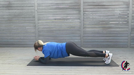 01 plank on forearms