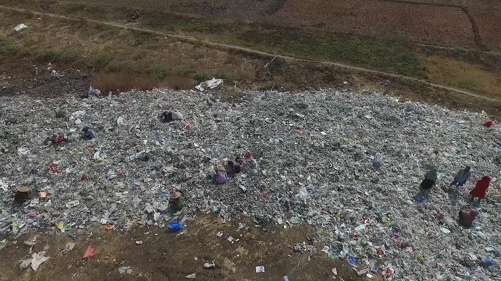 Trailer La Historia del Plástico
