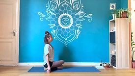 Hatha yoga Gomukhasana - Hélène