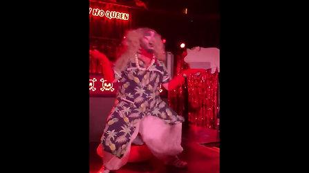 New Ho Queen - PIG