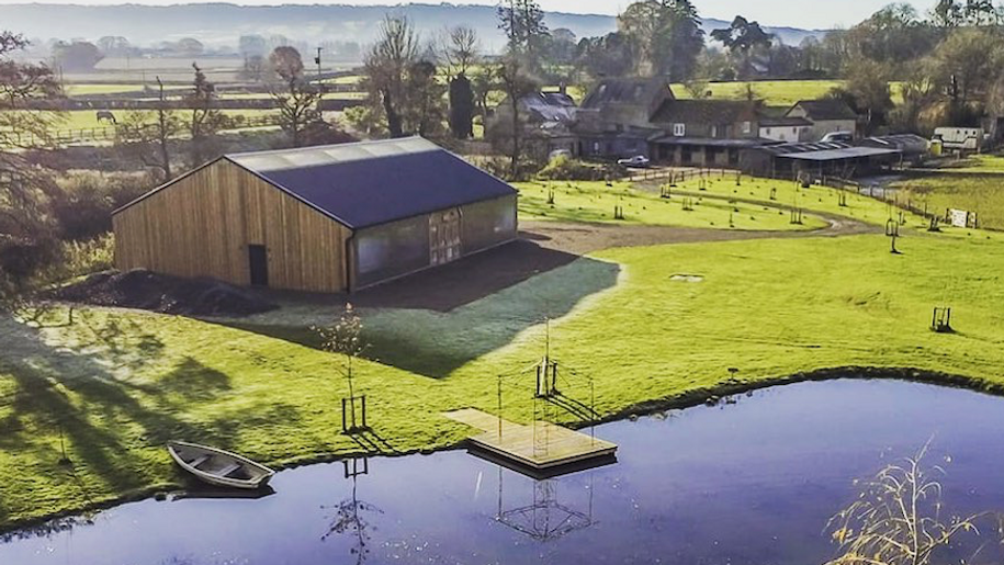 Waterside Country Barn