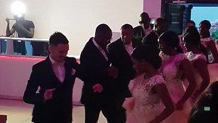 1er entrée Danseur Cinaa Titi + filles d'honneur de nos mariés