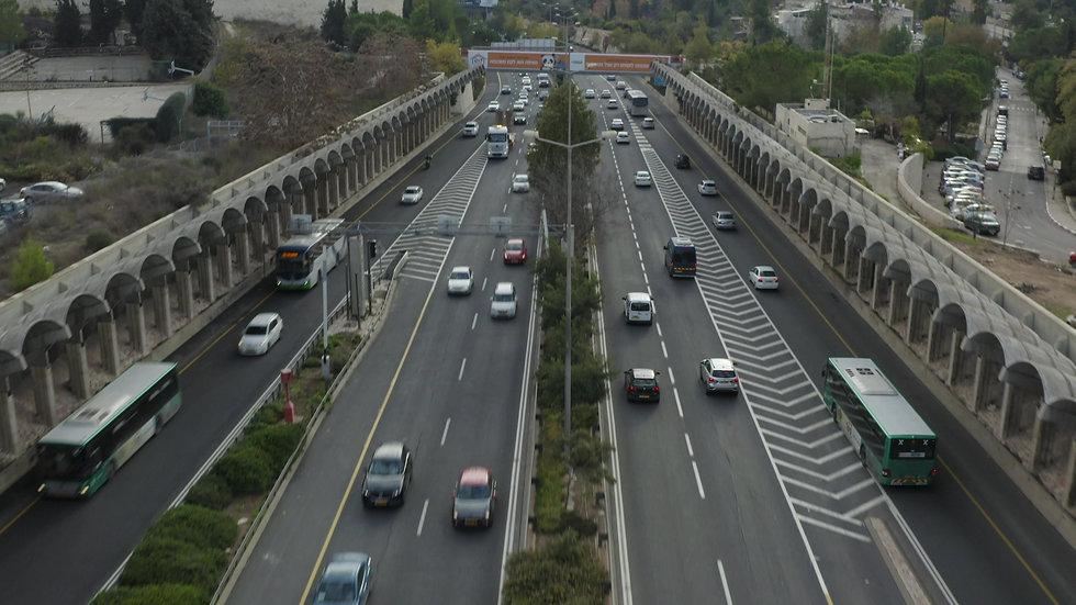 צילום רחפן מעל כביש בגין