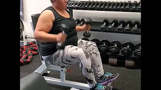 Hammer curl to overhead press