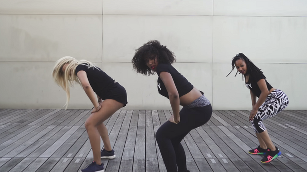 Figurantes et danseuses dans le clip de LePhantöm Ft. Swé - Pozé Lanmou Aw