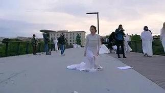 100 spose per la pace