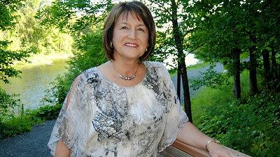 Lois Flewelling
