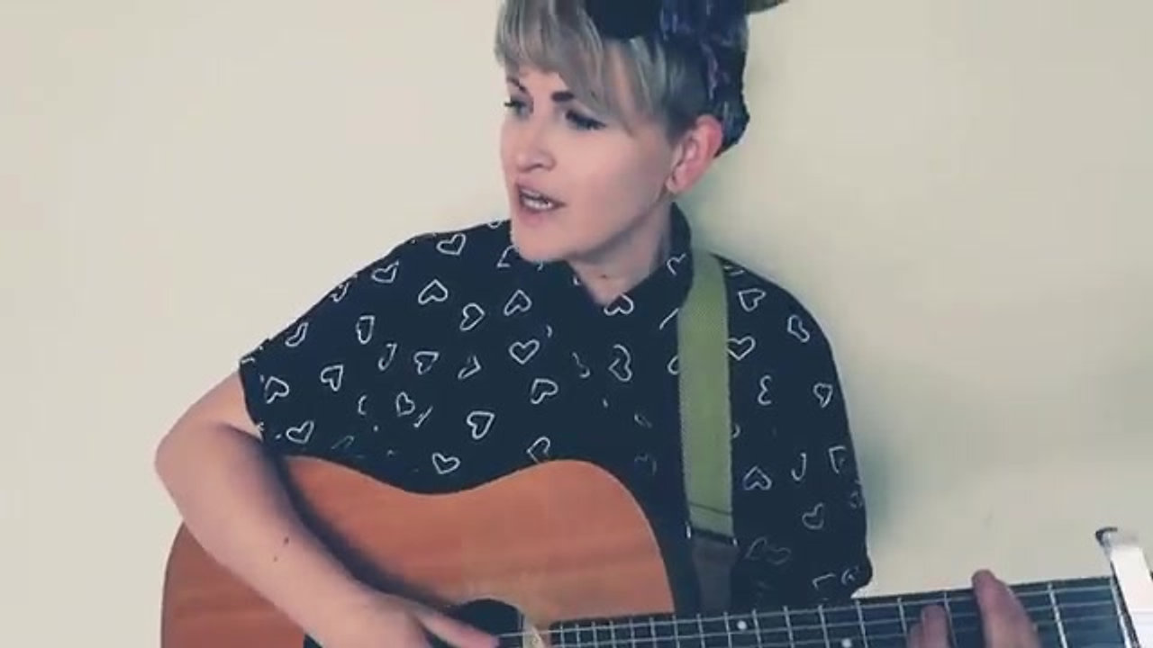 Just You And I -- Tom Walker -- Robynne Calvert Acoustic Cover