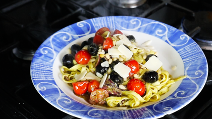 Pesto pasta with cherry tomato by Tommaso