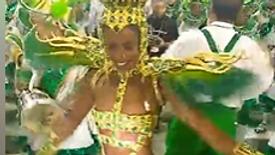 Rainha de bateria, Iza, dando um show na Imperatriz Leopoldinense