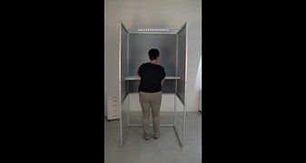 Behindertengerechte Wahlkabine (UVB)