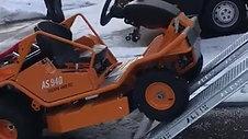 AS940 雪地爬坡能力
