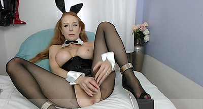 Squirting PayBoy Bunny