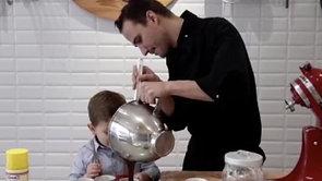 Recette du moelleux au chocolat et crème de chantilly à la pistache