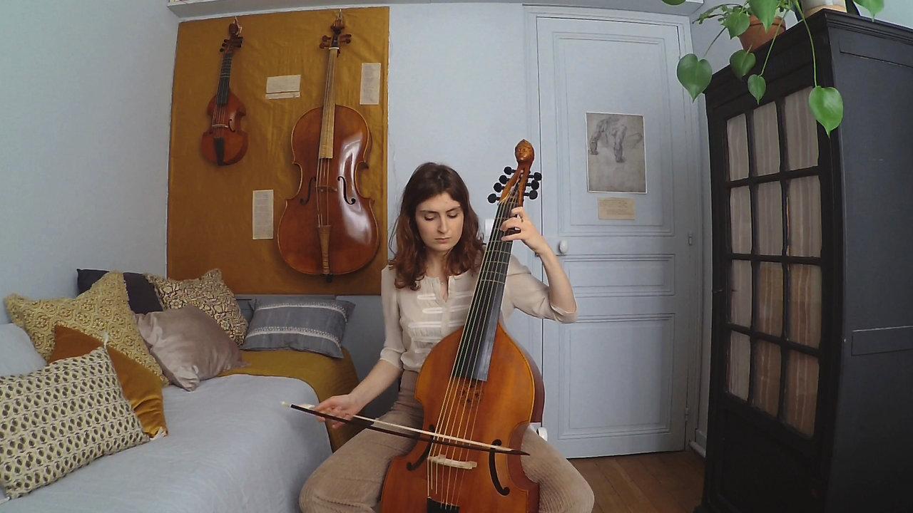 Louise Pierrard, viole de gambe