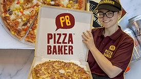 Pizzabaker Making Pizza