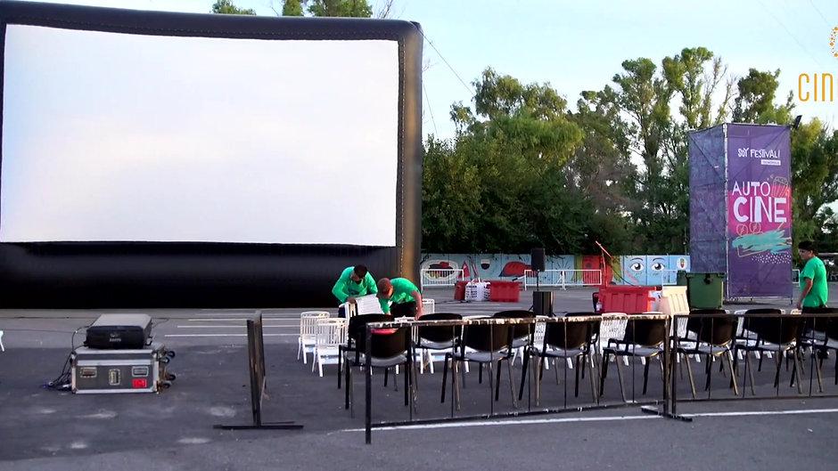 Autocine con pantalla 16m x 10m