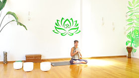 Gentle Yoga with Roxanne (Class Preview)