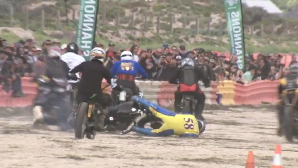 Racing Returns to Sellicks Beach 2017