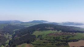 Eine unglaublich Aussicht, über alle Berge hinweg und alles über unserem  idyllischem Ort