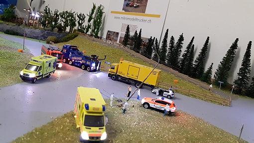 Bergungsfahrzeug am Unfall