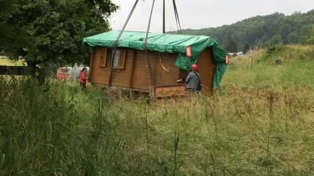 Zügeln des Bienenhauses von Itingen nach Pfeffingen