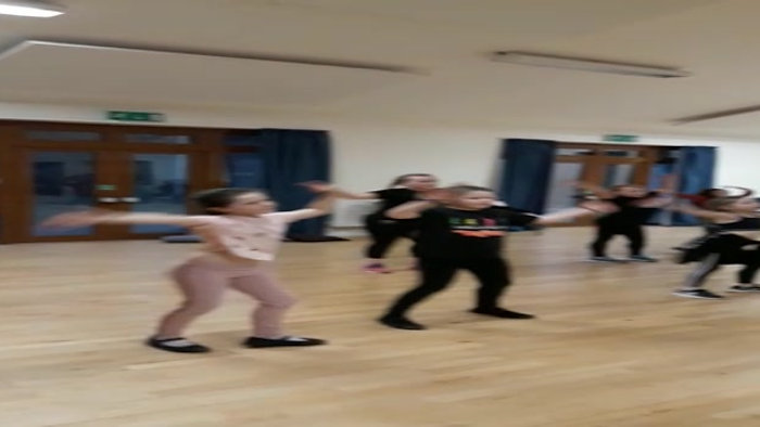 DOLLOWAY DANCERS