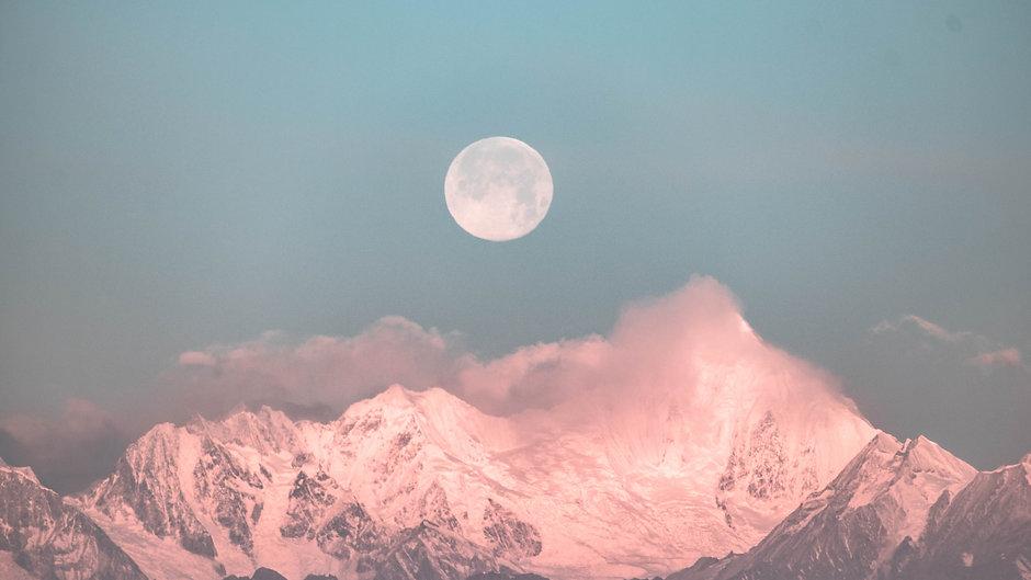 Lunar Manifestations