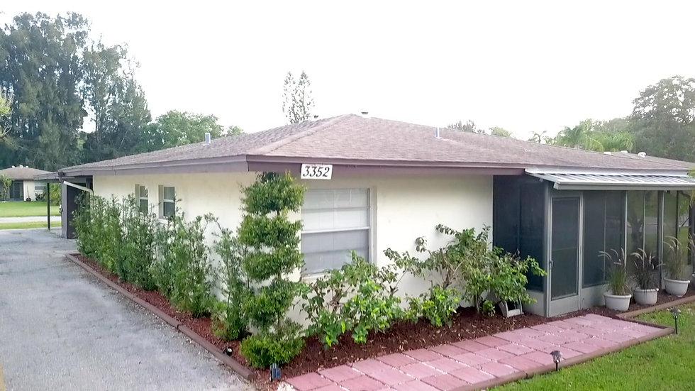 3352 Ramblewood Way, Sarasota, Florida -.
