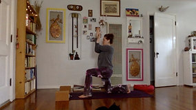 UPPER BACK AND BALANCE STUFF FLOW with Lisa