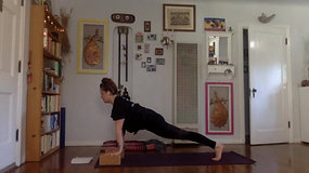 STAYING LOW HIPS FLOW with Lisa