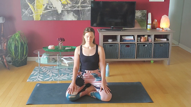 Self Love // 25 Minute Meditation & Gentle Flow
