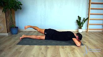 25 - Extension et rotation lombaire sur le ventre