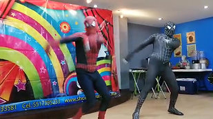Spiderman en Party Surprise