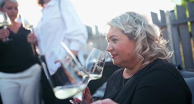 Tosca_degustace_vino_hruska