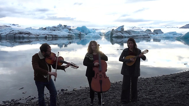 Tourlou in Jökulsárlón (Iceland)
