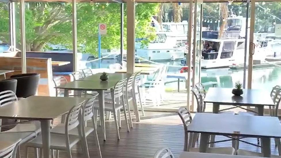Dine In at Seasars Seafood Cafe & Bistro