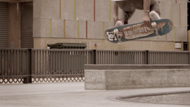 DC Shoes Skateboard | Skater Play 360