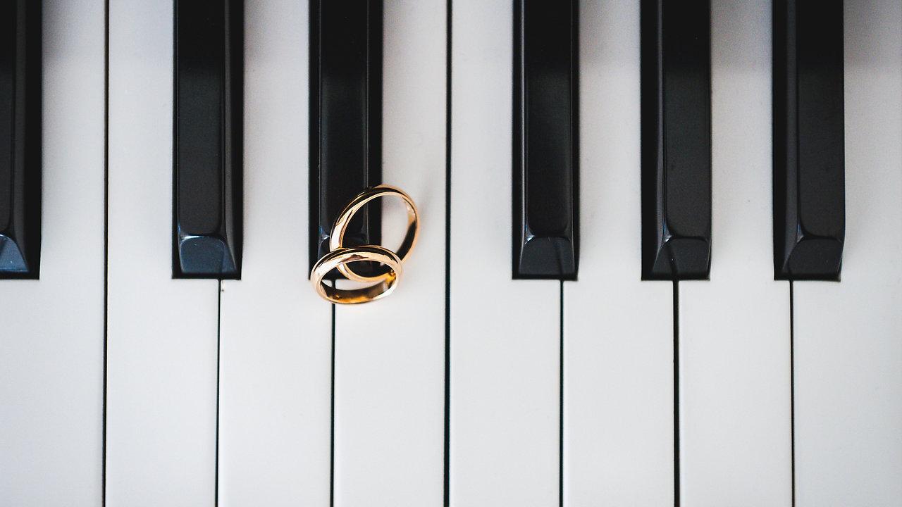 Che il vostro Matrimonio sia romantico, divertente, elegante, vintage, colorato o un po' folle, il wedding-video che realizzerò lo rispecchierà, in tutto e per tutto. Un racconto fatto di immagini vive, che vi ricorderà per sempre!
