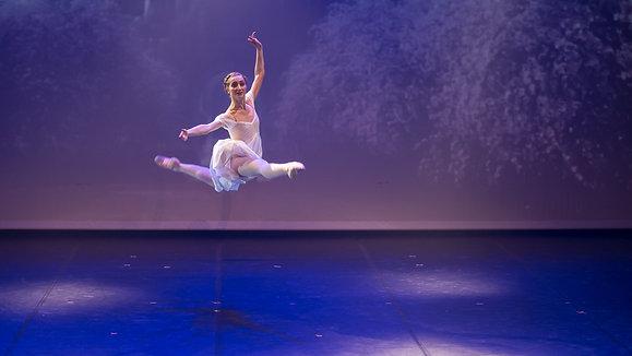 Le Ballet des confinés, réalisé par les classes de classique adulte avancé.