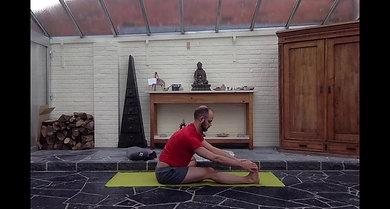 Flexion avant assise 1 jambe pliée - planche