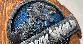 Création logo Jurassic World sur bois