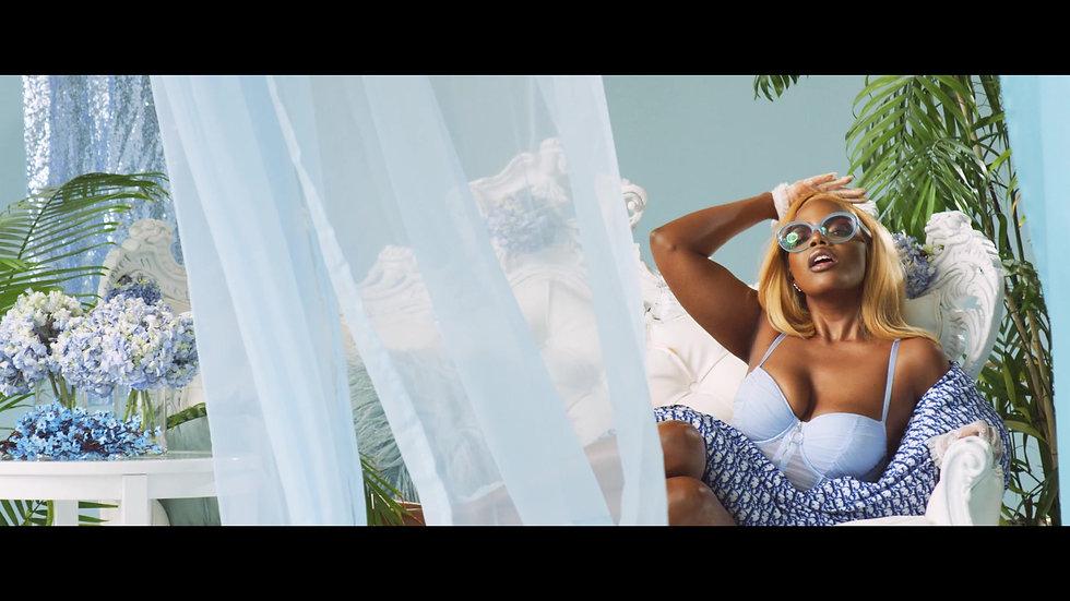 Luna Byrd - Kick It With Me