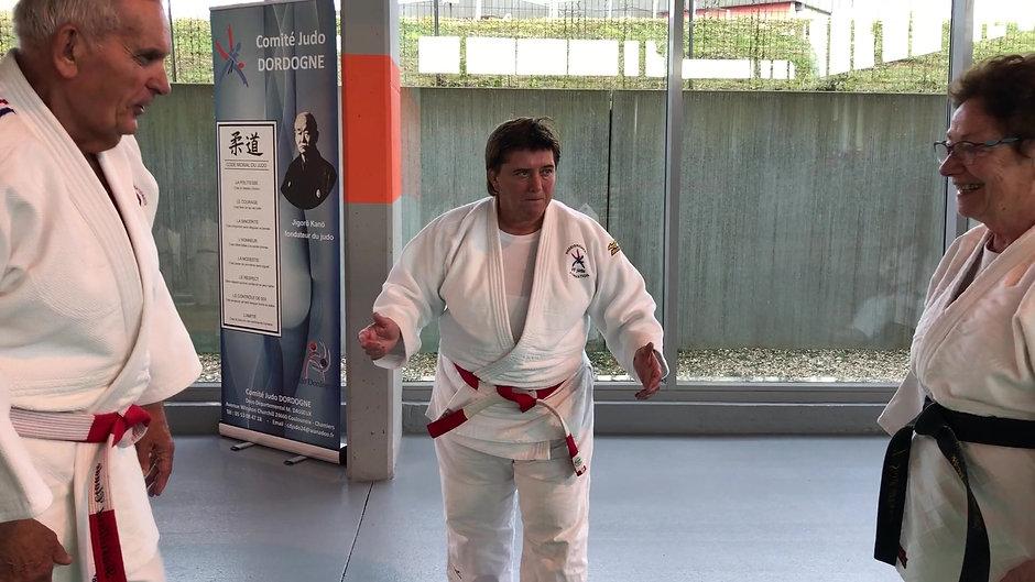 """Le judo n'a pas d'âge ! couple de judokas """"5ème et 7ème DAN !!"""" arbitré par Cathy Arnaud, 7ème Dan et double championne de monde de Judo....."""