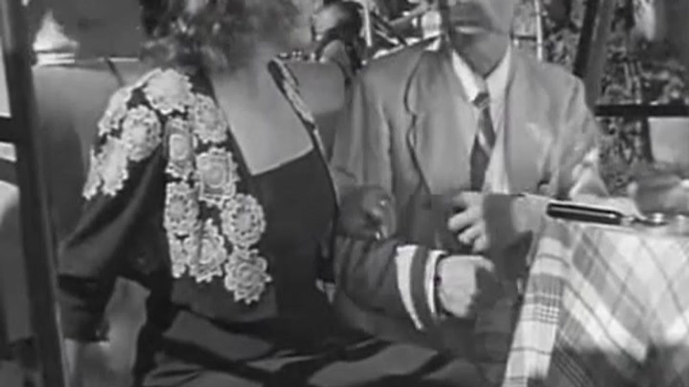Boda accidentada (1943) canto