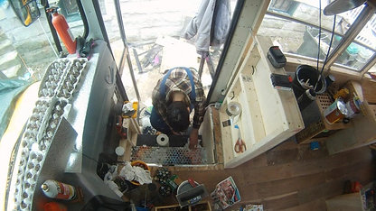 BUSPT34 BEER BOTTLE CAP STAIRS