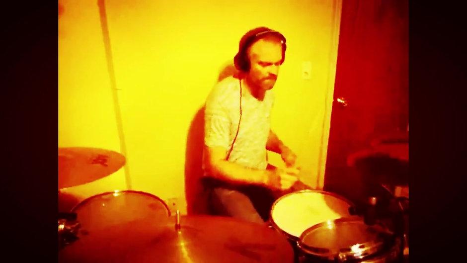 Eamon Ellams Recording Drums