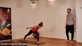 """Centering"" All level Vinyasa Yoga mit Dennis"