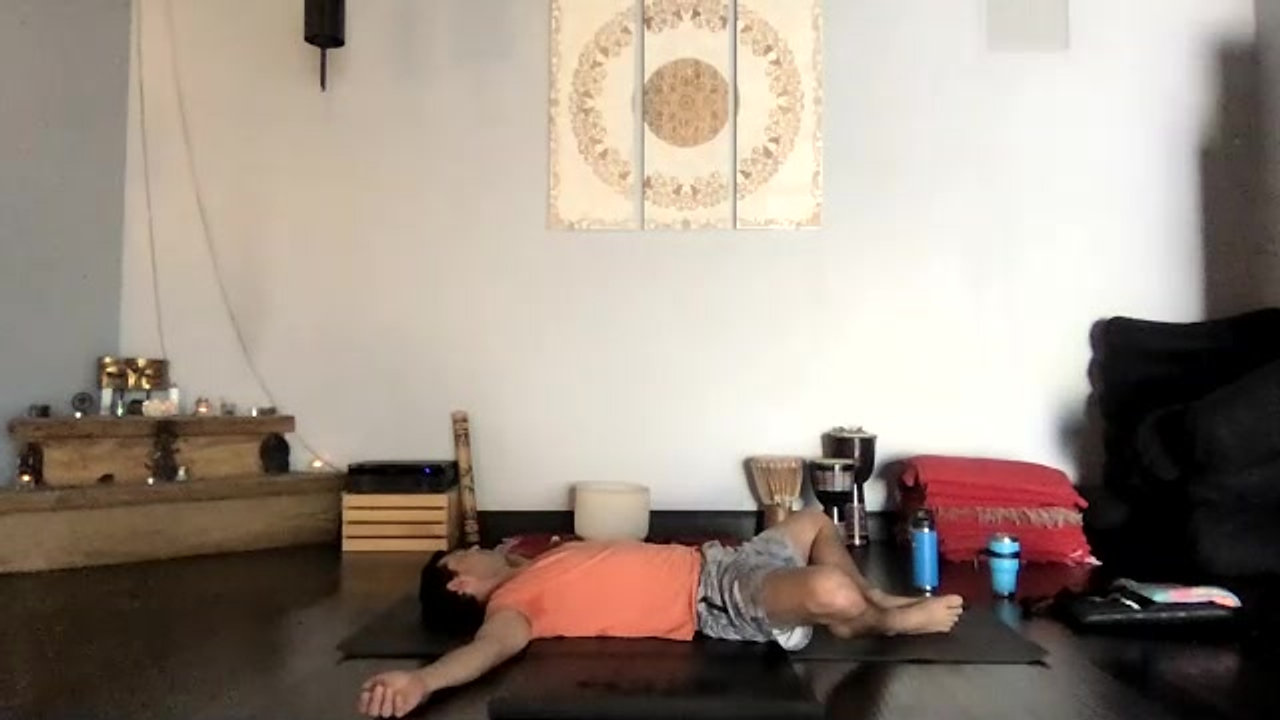 Learning to Create a Hollow Stomach and a Neutral Spine to Support your Practice 4/2021